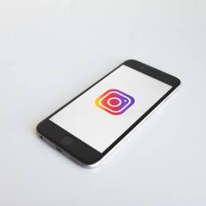 Onzinnige dingen op social media waar we tóch aan meedoen