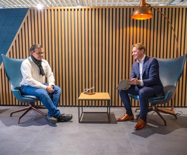 Van oriëntatie tot aflevering: laagdrempelig kennismaken met de online diensten van Autobedrijf Van den Udenhout