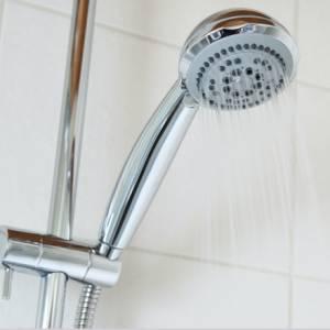 Dit is waarom je beter koud kunt douchen!