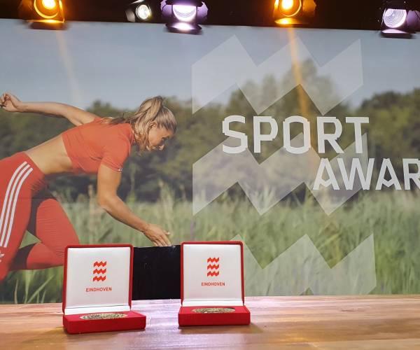 Pieter van den Hoogenband wint Oeuvre Award tijdens Eindhoven SportAwards Sportcafé editie